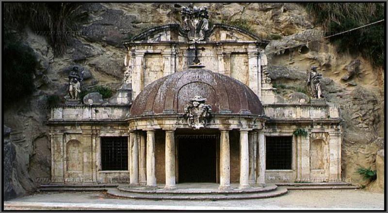 Chiesa di Sant'Emidio alle Grotte